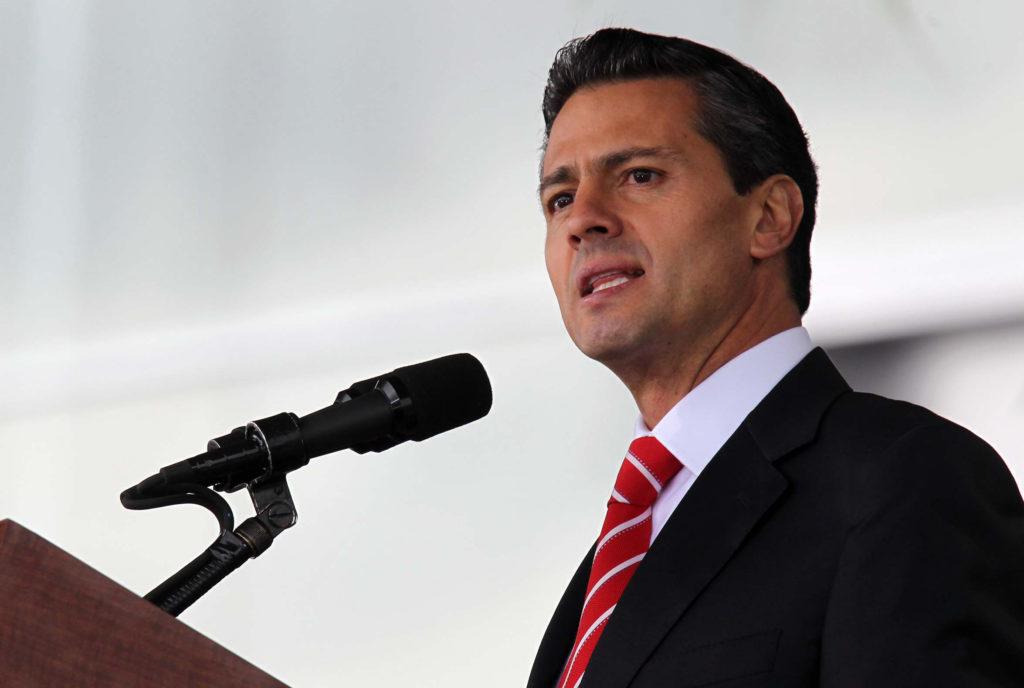 30913069. México, D.F.- El presidente, Enrique Peña Nieto encabezó la clausura y apertura de cursos en los planteles del sistema educativo militar, esto en la explanada del Heroico Colegio Militar. NOTIMEX/FOTO/JOSÉ PAZOS/JPF/POL/