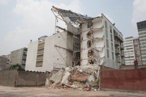 CIUDAD DE MÉXICO, 26SEPTIEMBRE2017.- El residencial San Jóse ubicado en Tlalpan con Zapata, que habia sido entregado recientemente a sus nuevos habitantes, colapsó durante el sismo de 7.1 grados richter del pasado 19 de septiembre.  FOTO: TERCERO DÍAZ /CUARTOSCURO.COM